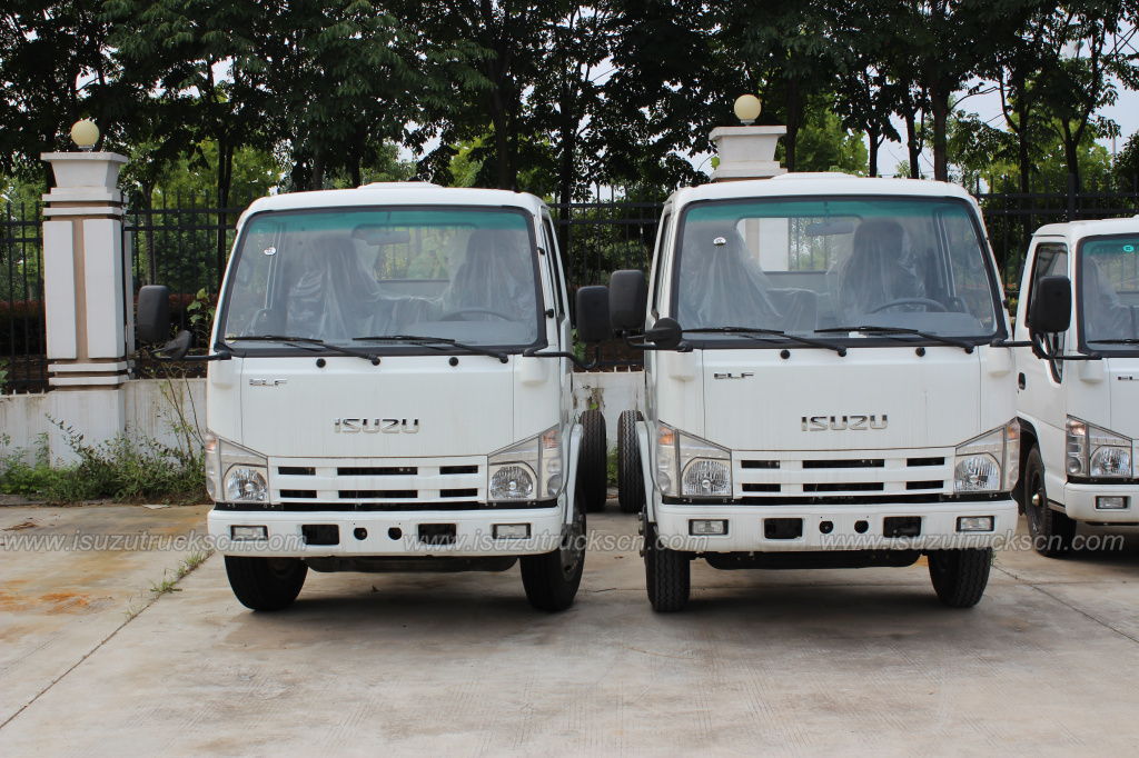 3cbm-5cbm Isuzu Road Sweeping Vehicle chassis