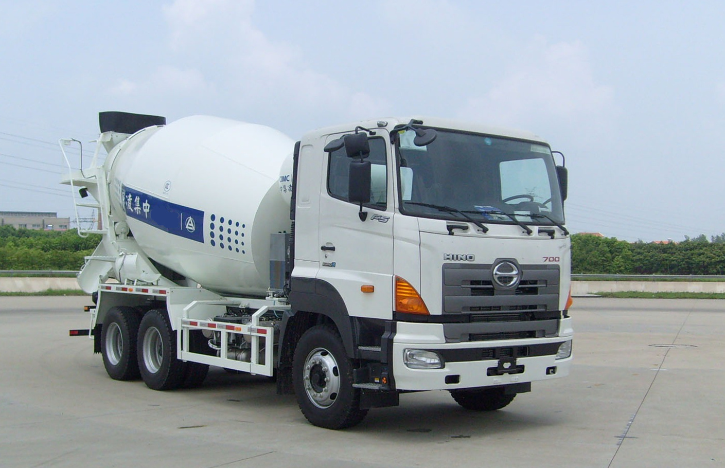 Japan Hino Transit Mixer Truck for sale