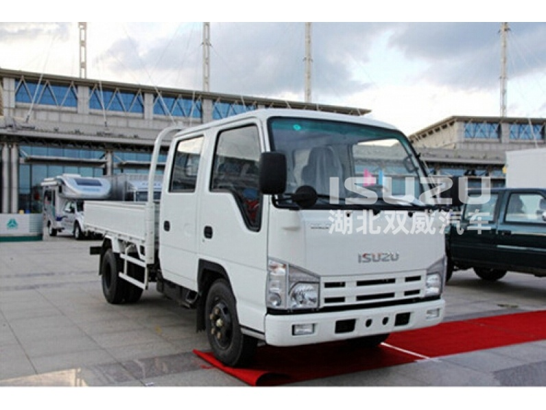 Japanese New ELF 100P ISUZU 1.4 - 4.5 Ton Sinle Row Light Duty Cargo Truck